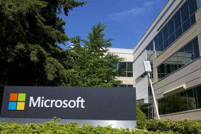 Un des édifices du campus Microsoft de Redmond,... (Archives AP)