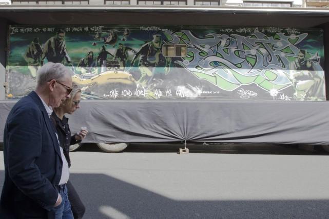 Intitulée Silent Majority, cette peinture aérosol sur métal... (Photo: AP)