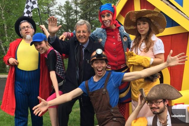 Tous les personnages qui animeront le Parc Mille... ((Photo Le Quotidien, Anne-Marie Gravel))
