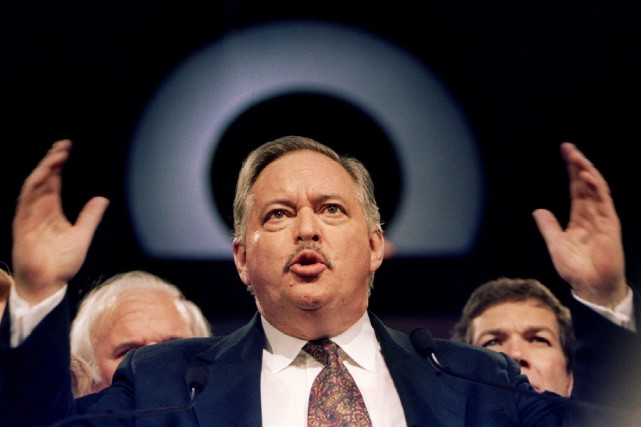 Jacques Parizeau s'adresse à des supporters du PQ... (Photo Andy Clark, Archives Reuters)