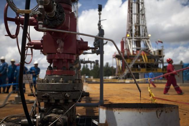 Les stocks de pétrole brut ont progressé de façon légère mais inattendue la... (PHOTO ARCHIVES REUTERS)