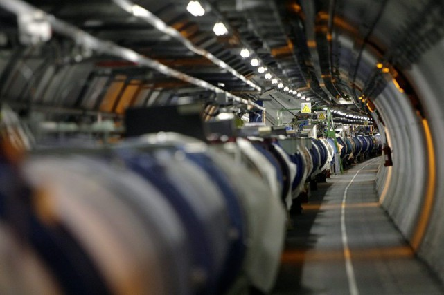 Le plus grand accélérateur de particules du monde, le LHC du CERN, a entamé... (PHOTO MARTIAL TREZZINI, ARCHIVES AP)