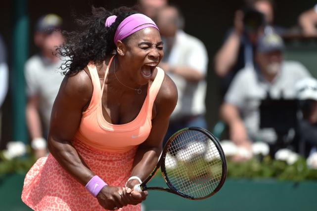 Serena Williams célèbre après sa victoire contre Sara... (Photo Pascal Guyot, AFP)