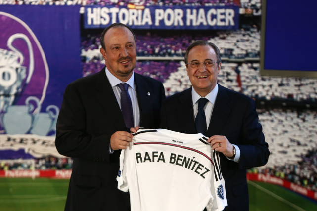 Le nouvel entraîneur du Real Madrid, Rafael Benitez,... (Photo Andres Kudacki, AP)