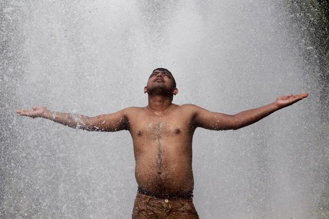 «Regardez la vague de chaleur sans précédent en... (PHOTO JAYNATA DEY, ACRHIVES REUTERS)