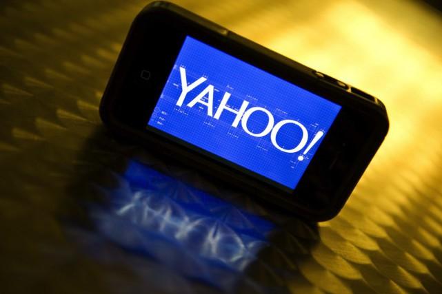 Yahoo a annoncé mardi son intention de supprimer environ 1700 emplois dans le... (PHOTO KAREN BLEIER, ARCHIVES AFP)