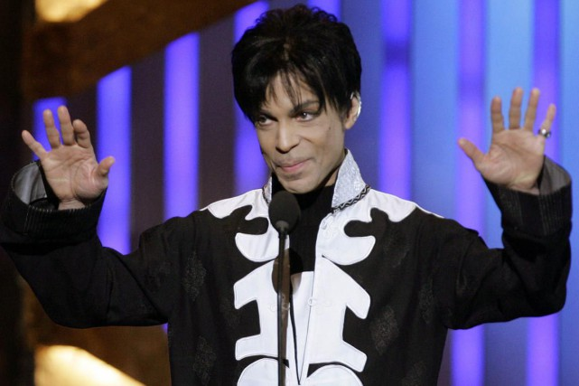 Le chanteur Prince versera les profits de son spectacle de Baltimore à... (PHOTO CHRIS CARLSON, ARCHIVES AP)