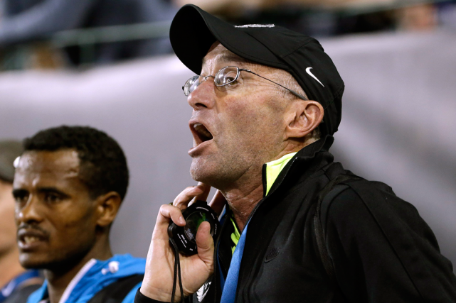 L'entraîneur du double champion olympique Mo Farah, Alberto Salazar.... (Photo Don Ryan, AP)