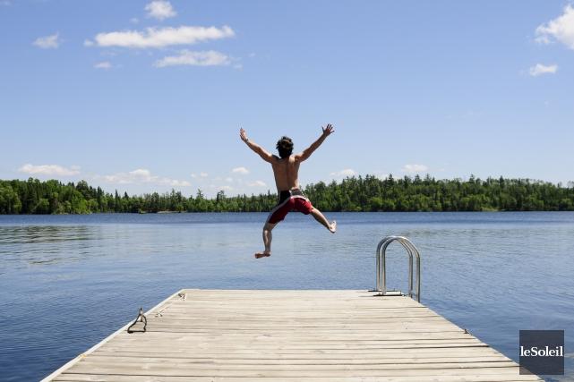 Piscines, rivièresou lacs, tous les plans d'eau sont... (Photothèque Le Soleil)