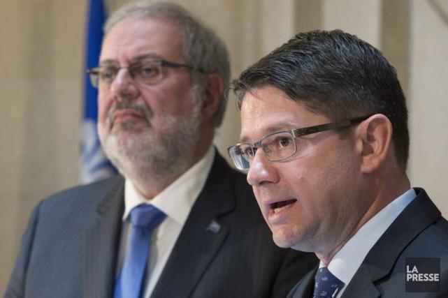 Le ministre des Ressources naturelles, Pierre Arcand (à... (Photo Jacques Boissinot, La Presse canadienne)