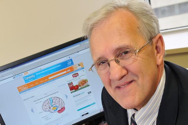 Michel Perron, Ph.D. Professeur au Département des Sciences... ((Archives))