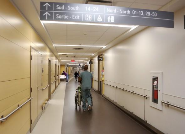 À Montréal, les médecins généralistes consacrent la moitié... (PHOTO MARTIN CHAMBERLAND, ARCHIVES LA PRESSE)