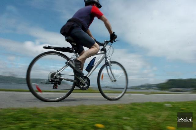 Lévis veut ajouter 20 km de pistes cyclables... (Photothèque Le Soleil, Jean-Marie Villeneuve)
