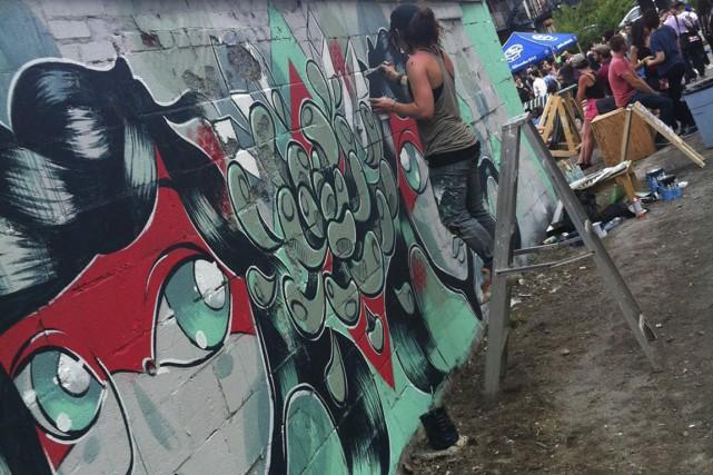 MC Baldassari a créé récemment cette murale dans... (PHOTO FOURNIE PAR L'ARTISTE)