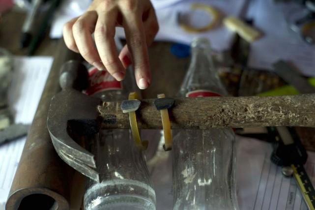 L'objectif est d'établir un lien entre des artisans... (PHOTO HECTOR RETAMAL, AFP)