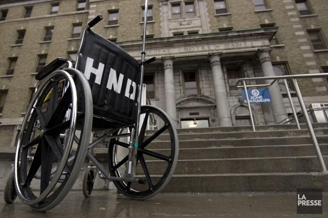 Les services d'aide aux personnes handicapées écopent des compressions du... (PHOTO ARCHIVES LA PRESSE)
