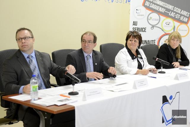 Les présidents des commissions scolaires de la région,... ((Photo Le Quotidien, Jeannot Lévesque))
