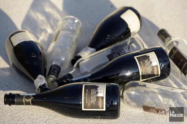 À l'heure actuelle, environ 90% des bouteilles de... (PHOTO BERNARD BRAULT, ARCHIVES LA PRESSE)