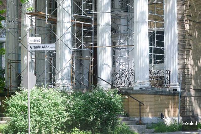 La conseillère Anne Guérette souhaite voir la résidence... (Le Soleil, Jean-Marie Villeneuve)