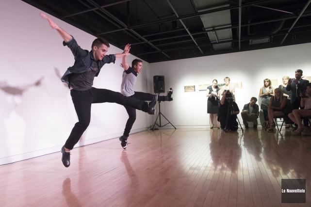 Deux des danseurs des Tap Kids ont fait... (Photo: Stéphane Lessard Le Nouvelliste)
