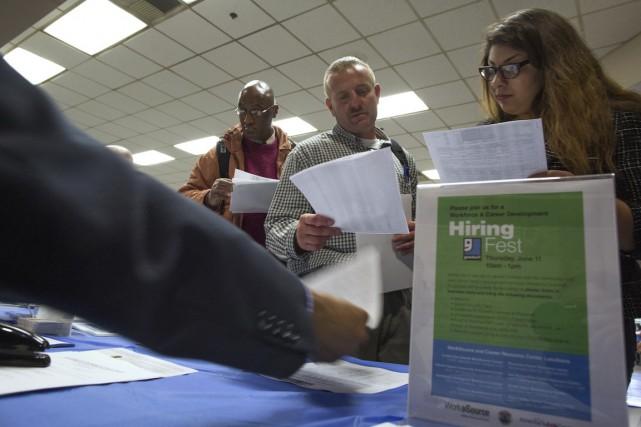 Les créations d'emplois dans le secteur privé aux États-Unis ont ralenti en... (Photo archives Reuters)