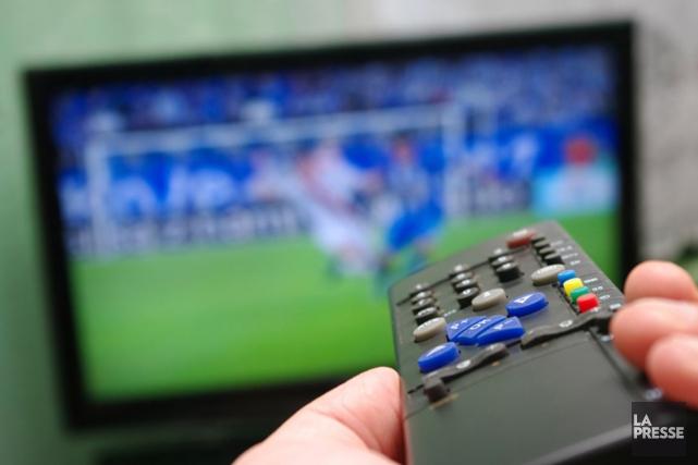 Les stations de télévision traditionnelles privées ont vu leurs revenus totaux... (PHOTO ARCHIVES LA PRESSE)