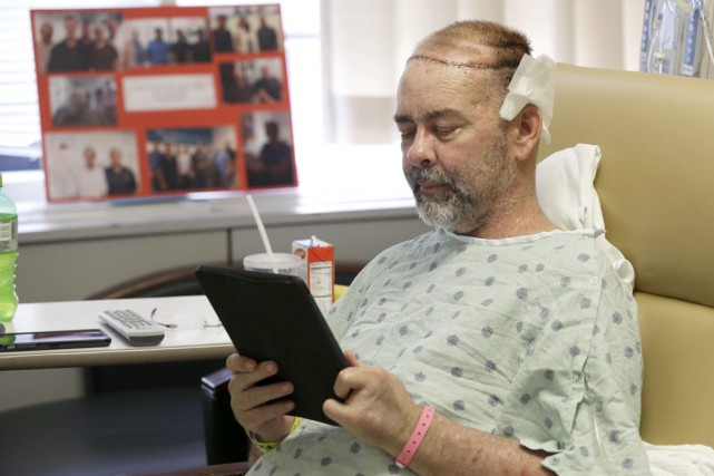 Le patient, James Boysen, 55 ans.... (PHOTO PAT SULLIVAN, AP)