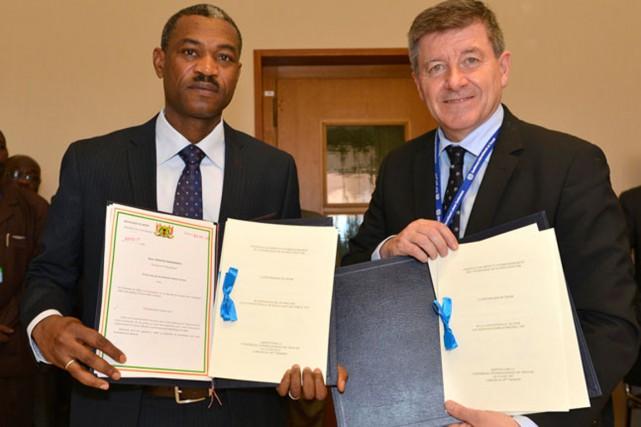 La signature par le Niger de ce Protocole... (PHOTO OIT)