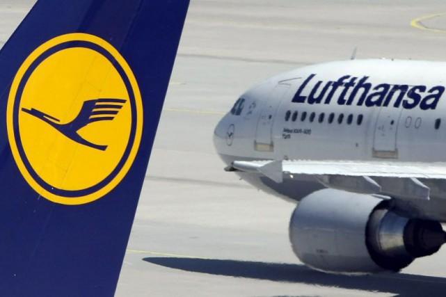 Lufthansa va suspendre ses vols vers les villes... (PHOTO ARCHIVES REUTERS)