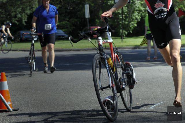 L'athlète à l'honneur de la 24e édition du Triathlon de Gatineau est une... (Martin Roy, Archives LeDroit)