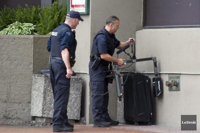 L'équipe tactique du Service de police d'Ottawa a... (Martin Roy, LeDroit)