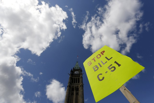 « Le projet de loi C-51 relaxe les lois... (PHOTO CHRIS WATTIE, ARCHIVES REUTERS)