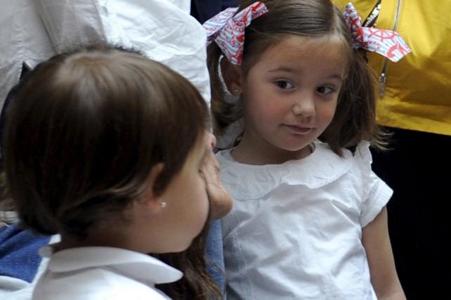 La misère infantile menace de devenir un mal... (PHOTO Eloy Alonso, REUTERS)