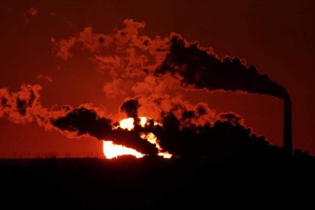 Les émissions des centrales à charbon du G7... (PHOTO ARCHIVES AP)