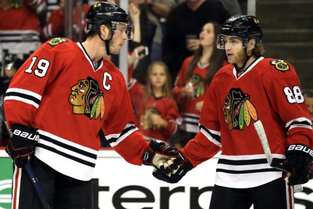 Jonathan Toews et Patrick Kane... (Photo Nam Y. Huh, archives AP)