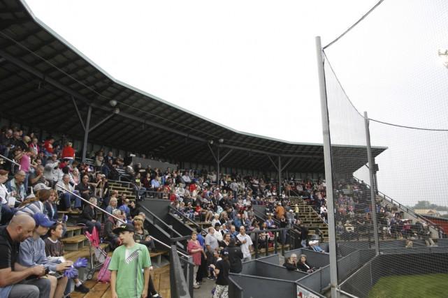 Quelque 900 spectateurs, une salle archicomble, ont assisté... (Photos Julie Catudal)