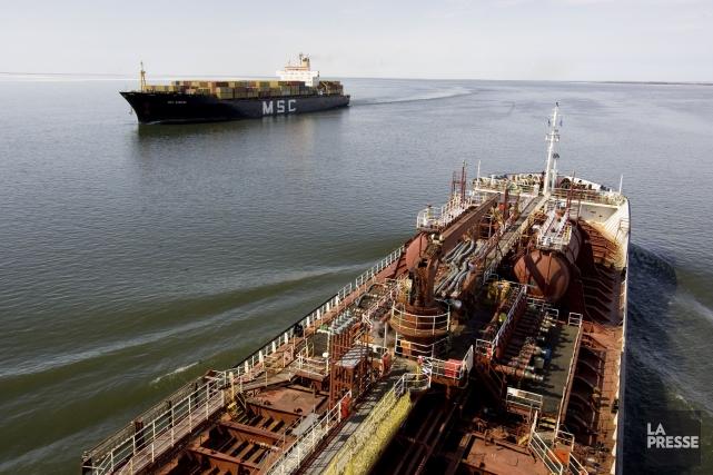 La Stratégie maritime du gouvernement Couillard sera dotée... (PHOTO ARCHIVES LA PRESSE)