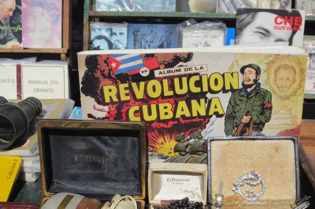 Une bouquinerie à La Havane, les livres et... (Photo collaboration spéciale Mylène Moisan)