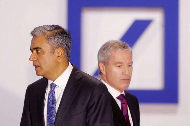 L'Indo-britannique Anshu Jain et l'Allemand Jürgen Fitschen étaient... (PHOTO MICHAEL PROBST, ARCHIVES AP)