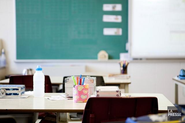 Tous les moyens semblent bons pour dénoncer les compressions en éducation. La... (Photo Marco Campanozzi, archives La Presse)