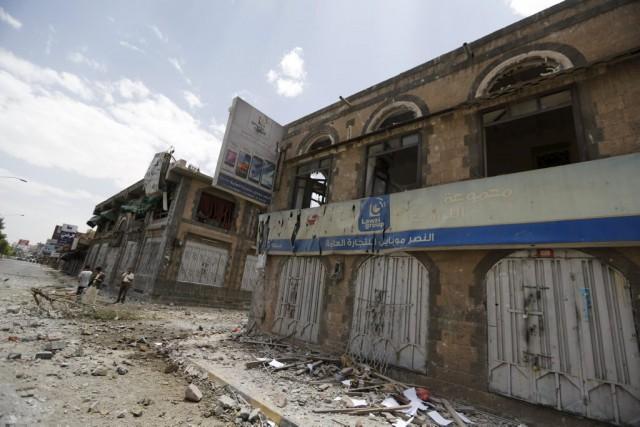 «Au moins 20 civils et 25 soldats et... (PHOTO KHALED ABDULLAH, REUTERS)