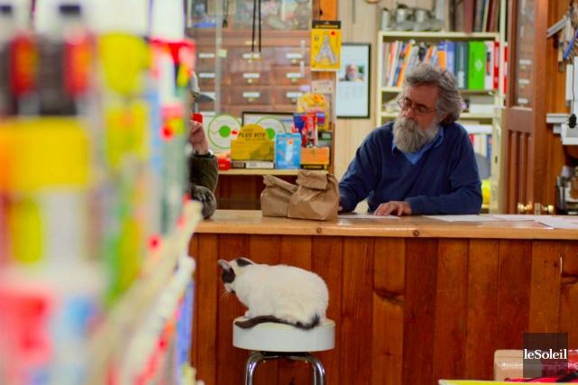 Dans les petites communautés, le magasin général est un carrefour humain,... (Photothèque Le Soleil)