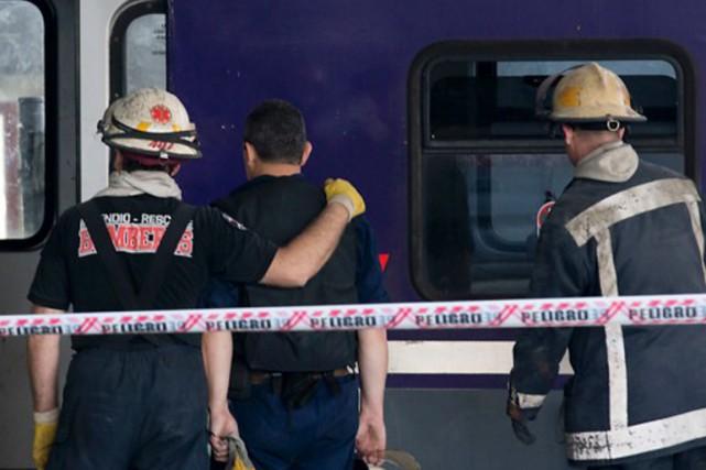 Deux trains de banlieue se sont percutés dimanche soir près de Buenos Aires,... (Photo: Natacha Pisarenko, archives AP)