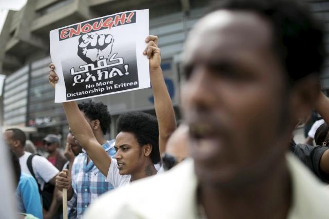 Des réfugiés érythréens manifestent devant l'ambassade de l'Érythrée... (PHOTO BAZ RATNER, ARCHIVES REUTERS)