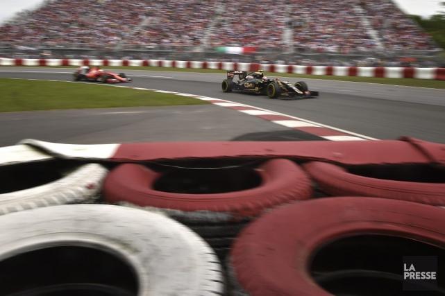 Sebastian Vettel et Felipe Massa n'allaient certainement pas se contenter de... (Bernard Brault, La Presse)