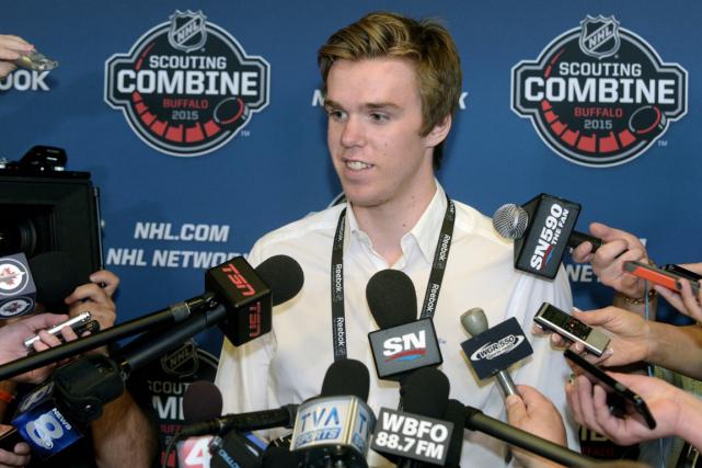 Connor McDavid devrait êtreréclamé par les Oilers d'Edmonton... (Photo Gary Wiepert, PC)