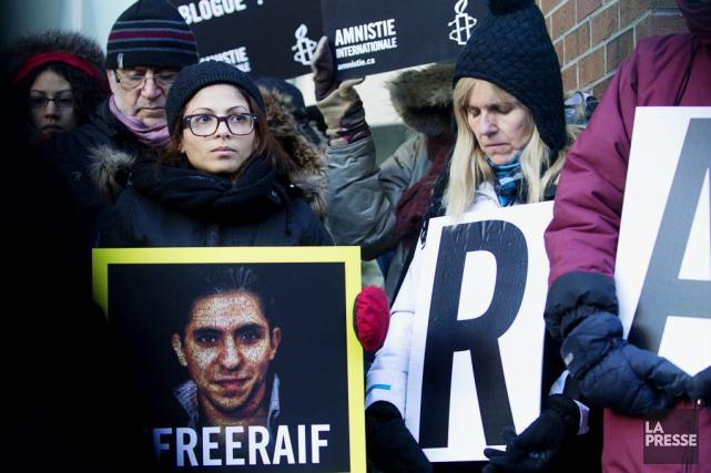 Dimanche, l'épouse de Raif Badawi, Ensaf Haidar (à... (PHOTO OLIVIER JEAN, ARCHIVES LA PRESSE)