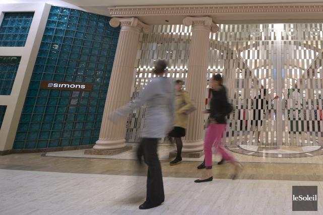 Seulement une dizaine de commerçants ont fermé leurs... (Le Soleil, Yan Doublet)
