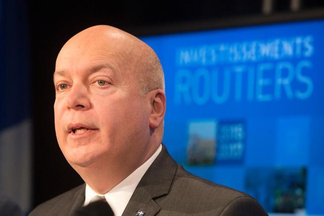 Le ministre des Transports du Québec, Robert Poëti... (PHOTO ROBERT SKINNER, ARCHIVES LA PRESSE)