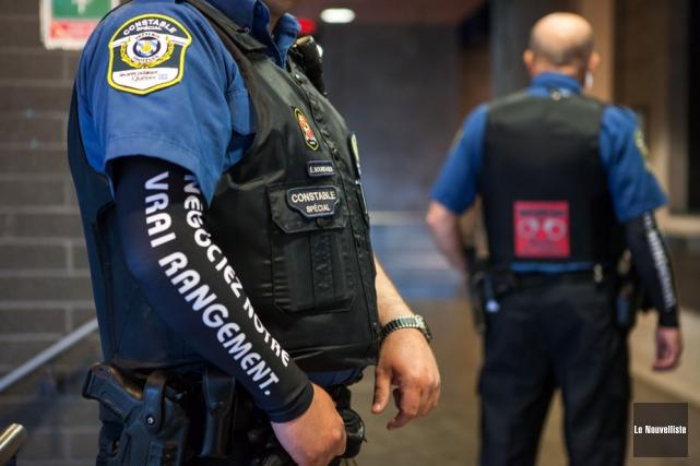 Les moyens de visibilité des constables spéciaux seront... (Photo: Olivier Croteau, Le Nouvelliste)